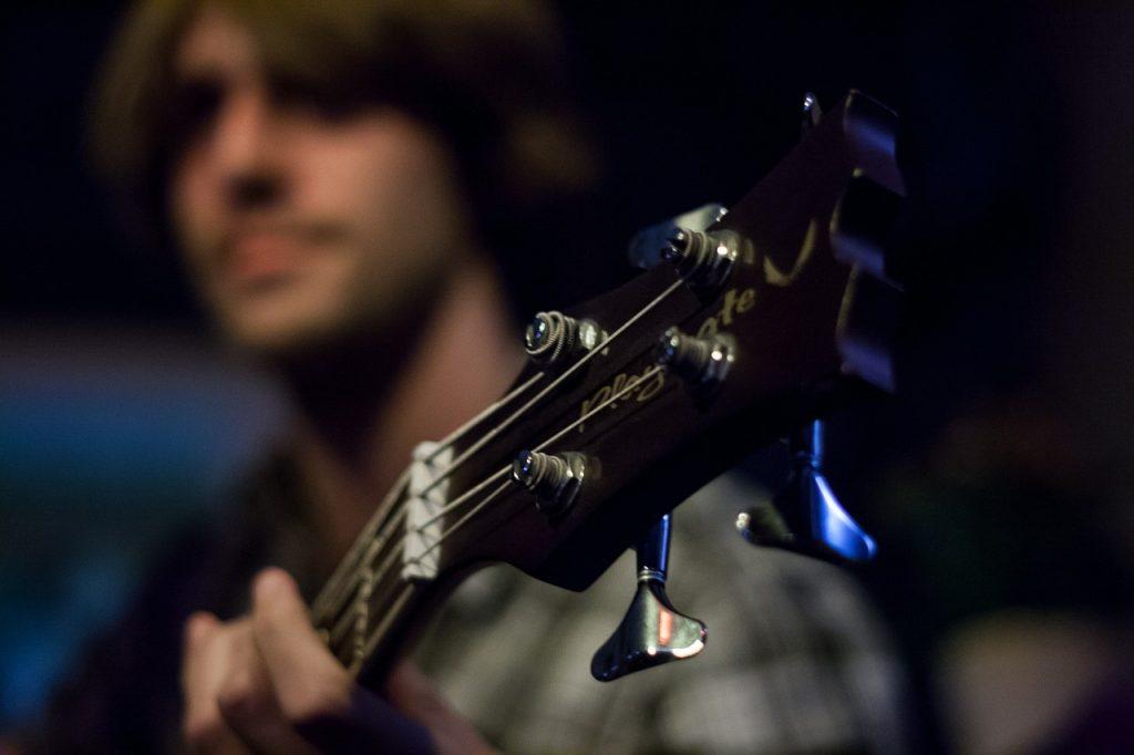 Curso de Música em Guarulhos, violão guitarra e contra baixo